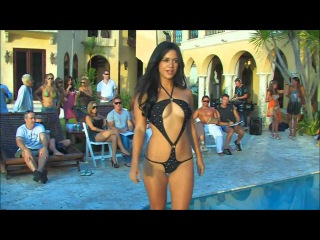 Bikini contest in Miami or Cuba  Конкурс купальников