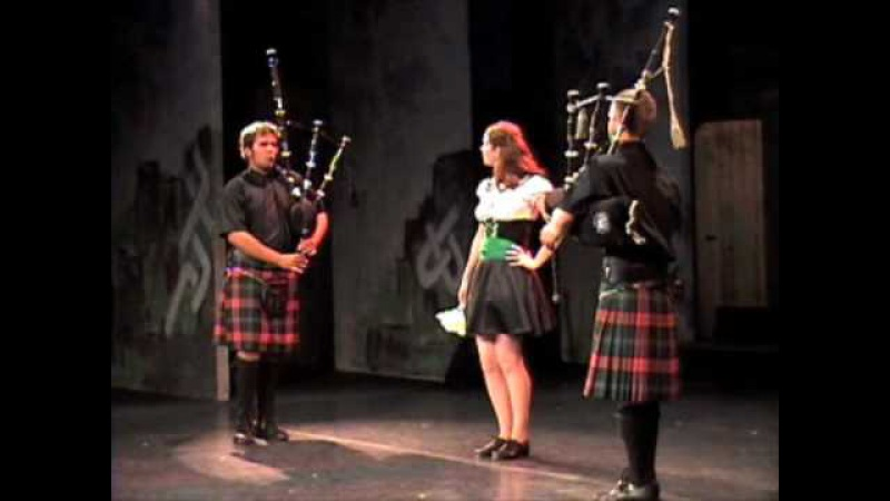 DUELING PIPERS College of Piping