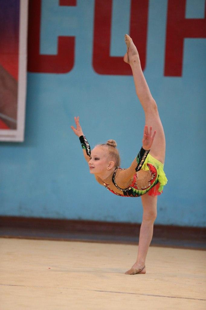 В Таганроге подрастает достойное поколение юных гимнасток!