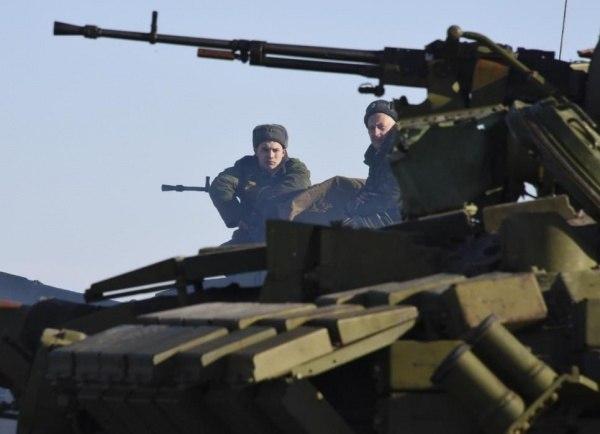Украинские силовики: «50 российских танков и 40 РСЗО «Град» перешли границу Украины во время переговоров»