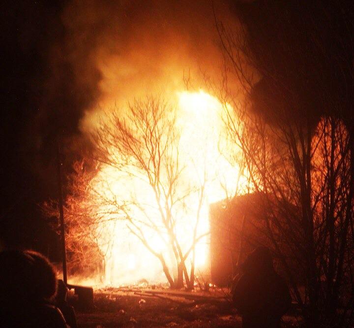 Ночью в Таганроге догорели два последних дома на улице Дачной