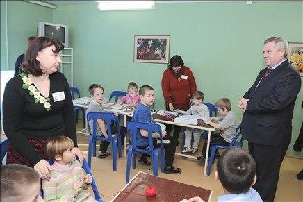 Губернатор Ростовской области Василий Голубев побывал у беженцев в ПВР под Таганрогом