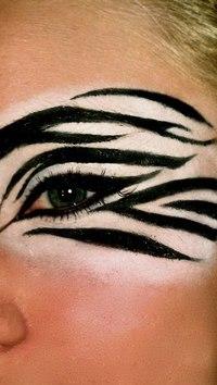 Дневной макияж для голубоглазых блондинок