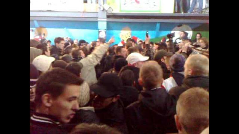 Alles los met DJPaul Elstak in de Legioenzaal na afloop van Feyenoord-Ajax