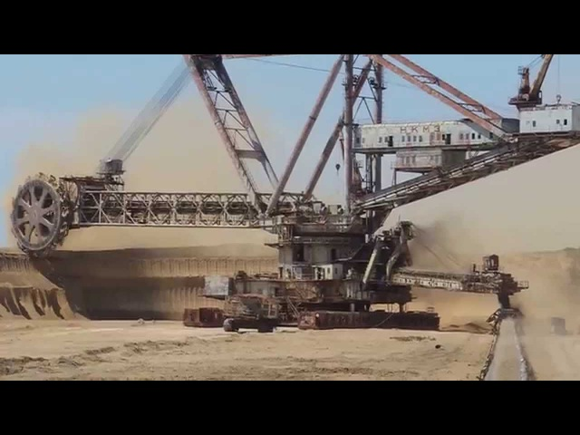 Giant machines. The work walking bucket wheel excavator.Роторный экскаватор.