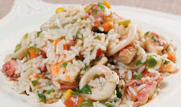Салат с кальмарами с рисом с фото