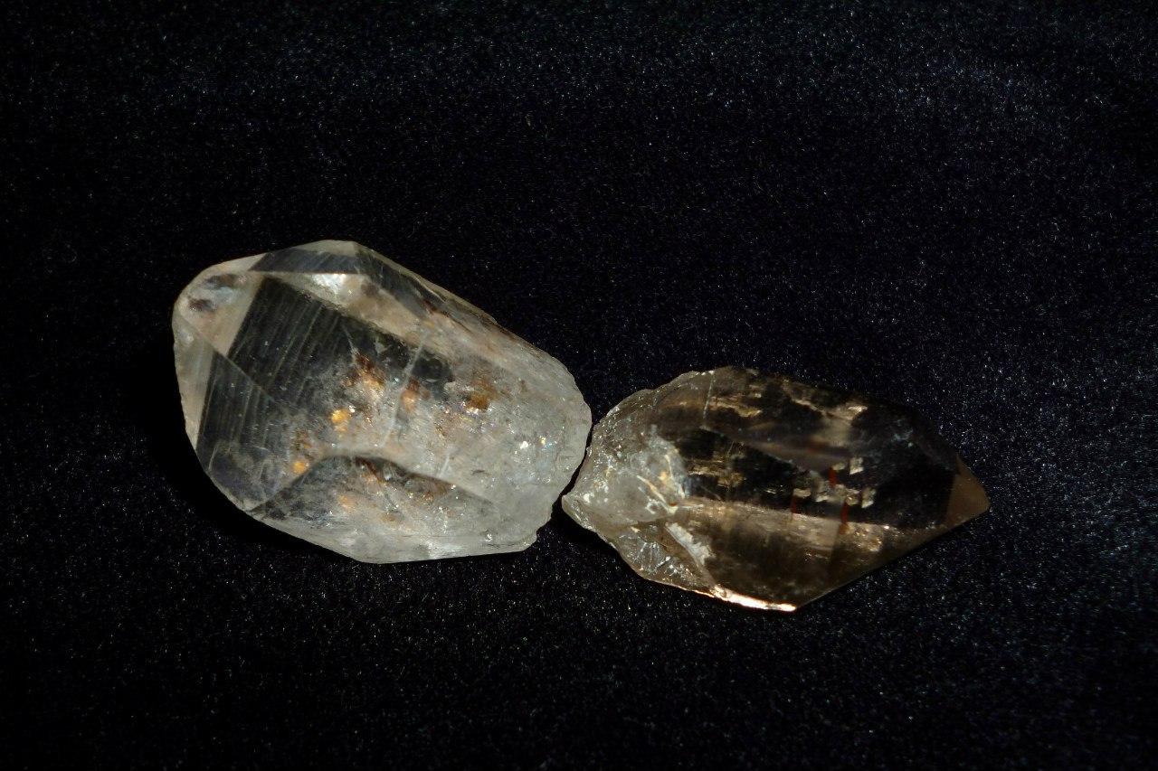 Кварцы: горный хрусталь и дымчатый кварц (раухтопаз) (27.03.2015)