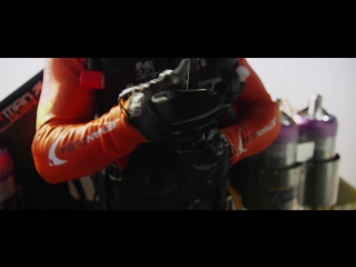 Jetman Dubai ׃ Young Feathers 4K