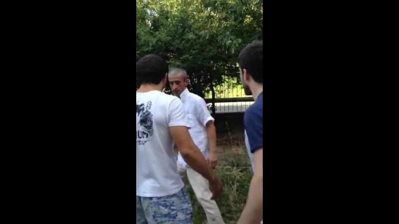 Садисты поймали педофила Как на Кавказе поступают с педофилами Sadistic pedophile caught