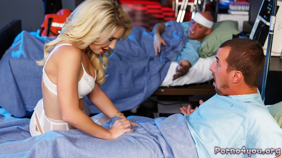 Ночная Смена Развратной Медсестры Часть Первая