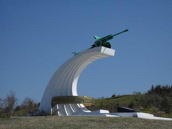 Памятник воинам-освободителям под г. Холмск (Сахалин)