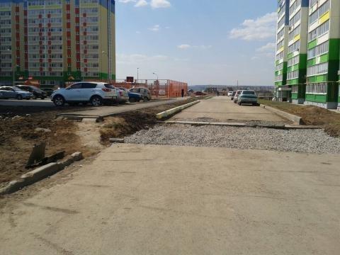 Жители Альметьевска пожаловались на отсутствие тротуара во дворе новостройки – «Народный контроль»
