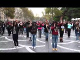 Танец на улицах Баку (классно танцуют)  MADAGASCAR Flashmob