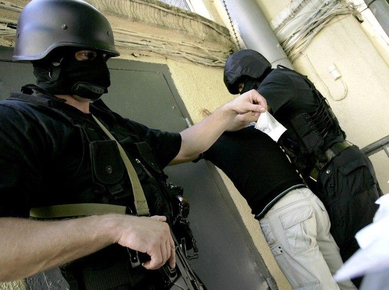 В Таганроге полицейские изъяли у 28-летнего парня наркотическое средство - N -метилэфедрон