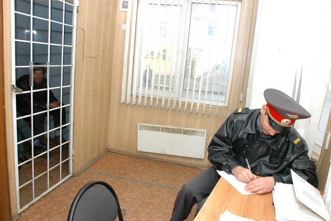 В Таганроге опера угрозыска задержали 18-летнего серийного вора