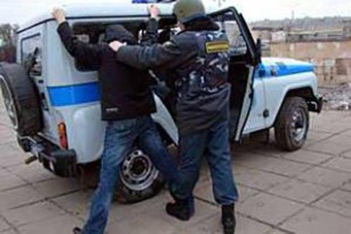 В Таганроге полицейские задержали уличного грабителя