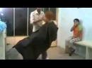 Спящий клиент у нервного парикмахера