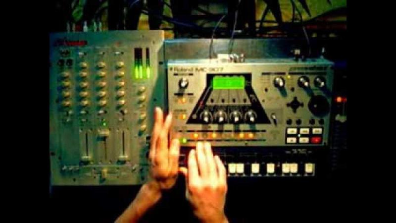 Groovebox MC-307 _ TECHNO 1