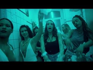 SXTN - Deine Mutter (Official Video)
