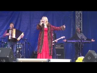 Вика Цыганова. Концерт в Луганске 2 ноября 2014 года. День выборов в Новороссии