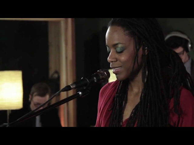 Akua Naru - Poetry: How Does It Feel Now (Live Performance) | SoulCulture.co.uk