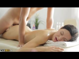 Порно русское масажист трахает клиентку