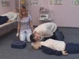 Проведение сердечно-лёгочной реанимации двумя спасателями