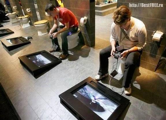 Игровой туалет :)