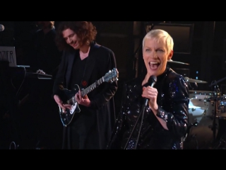 Hozier, Annie Lennox  Take Me to Church I Put a Spell on You (Medley)
