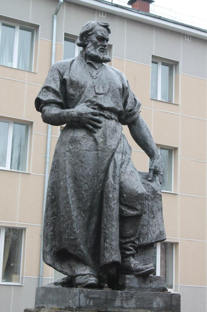 Памятник Сафонову