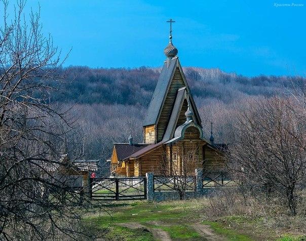 Заволжский монастырь в честь Честного и Животворящего Креста Господня