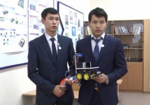 Оқушылар мүмкіндігі шектеулі жандарға арналған робот ойлап тапты
