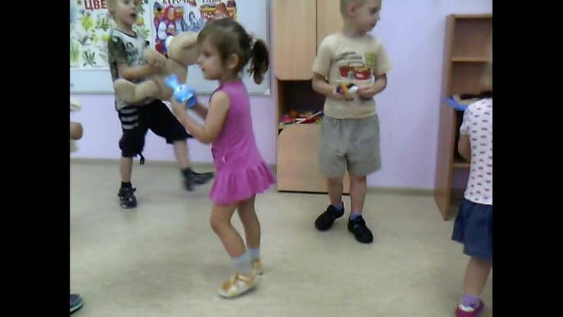 Утренник лето 2015 танец с куклами