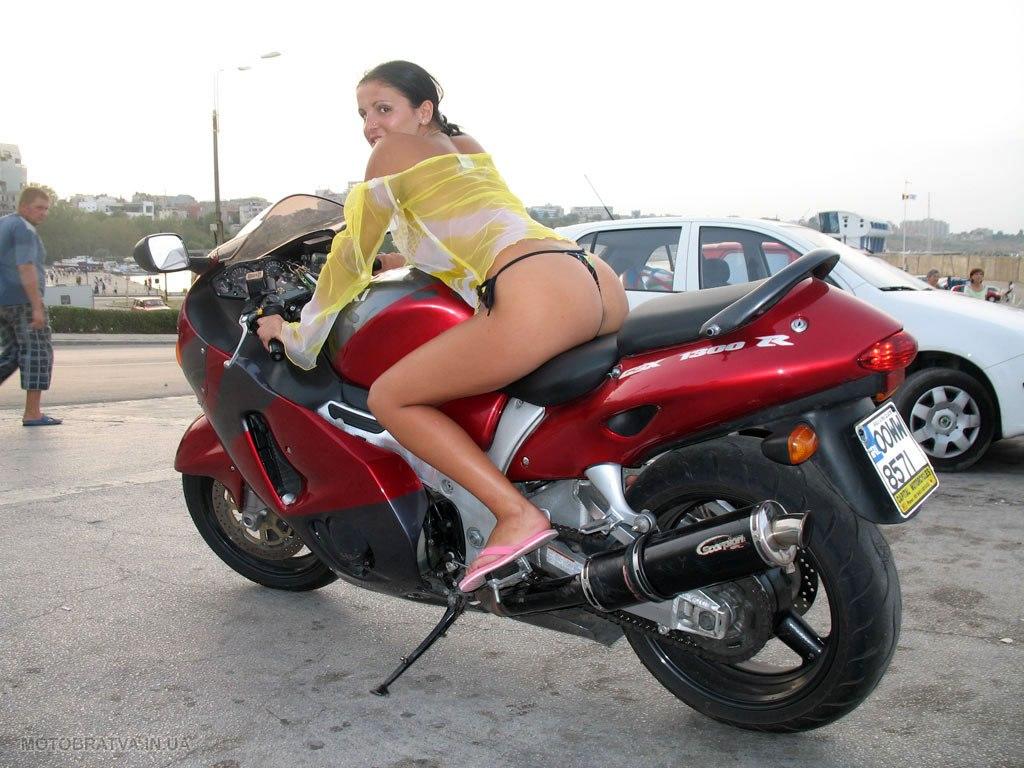 Фото девушек 18 на мотоцикл
