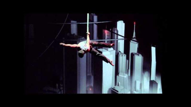 Cirque Éloize - Cirkopolis - 30 sec