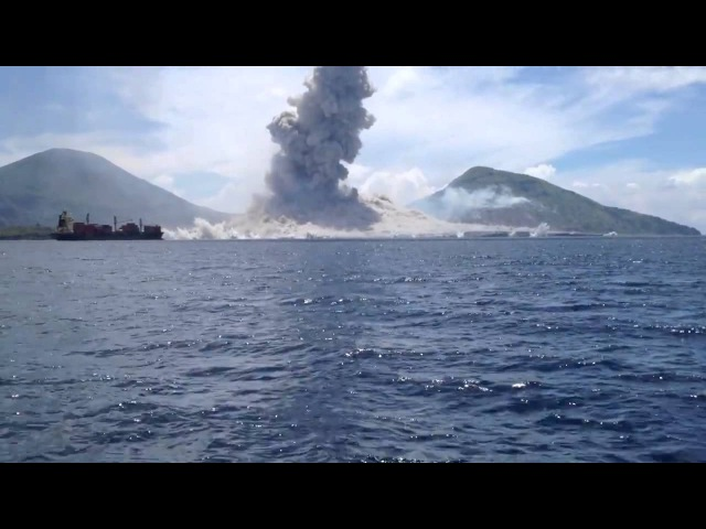 Papua New Guineas Tavurvur Volcano Eruption