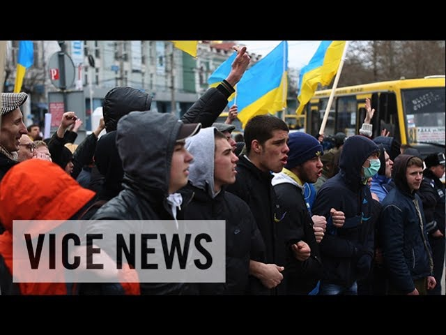 Pro-Russia Pro-Ukraine Protesters Face Off: Russian Roulette in Ukraine (Dispatch 7)