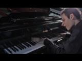 Игра на пределе человеческих возможностей (ну или около того): пианист Бенс Питер (Bence Peter) исполняет «Bad» Майкла Джексона,