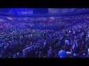 Thousands pack the pews at NYC's Hillsong megachurch