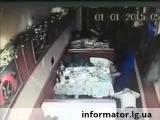 Алчевск 01 01 2015  В Новый год боевики избивают посетителей кафе