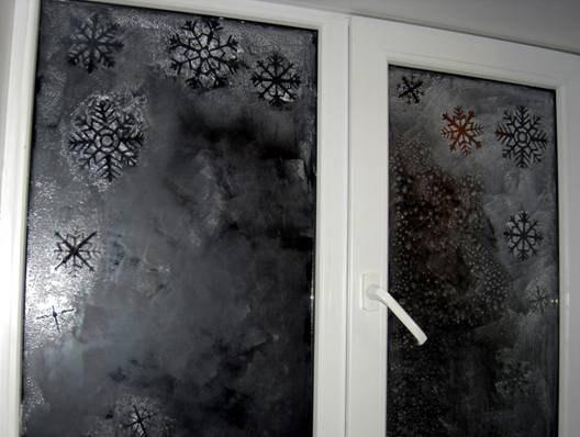 Как сделать снег на окне своими руками
