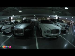 CoD / Car-Spotting Dubai Mall - G63 AMG 6x6, 2x LaFerrari, Bugatti Veyron, tons of Rolls Royce  more