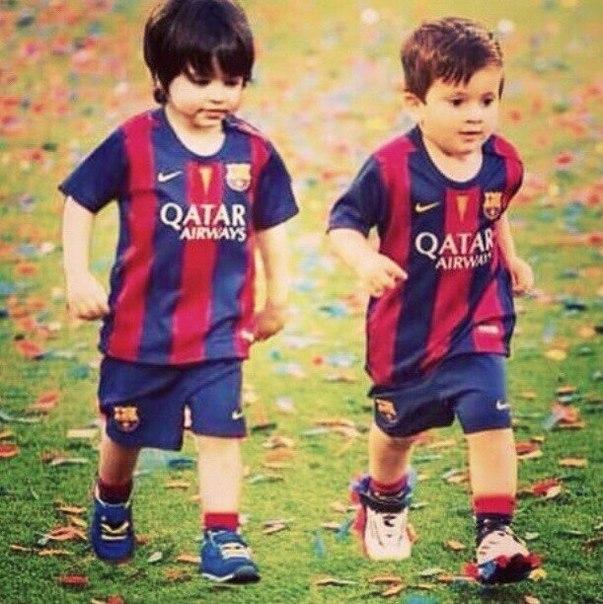 Photo of Lionel Messi & his  Son  Mateo Messi