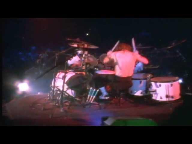 Lars Ulrich vs James Hetfield drum battle(HD)