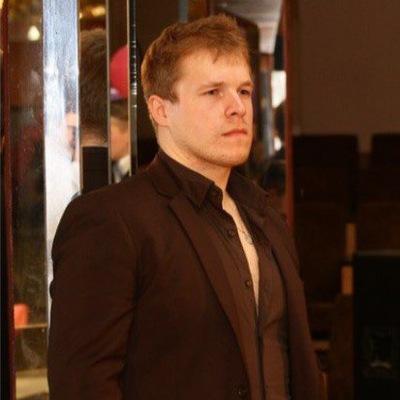 Илья Харламов
