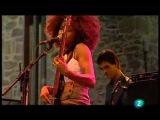 Esperanza Spalding - I Know You Know / Smile Like That Live in San Sebastian july 23, 2009 - 3/9