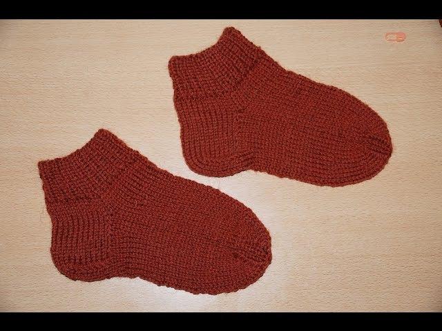 Вязание спицами для начинающих. Носки на 5 спицах Knitting for beginners. Socks 5 spokes