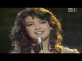 Phoebe Cates - Theme from Paradise (Discoring '82)