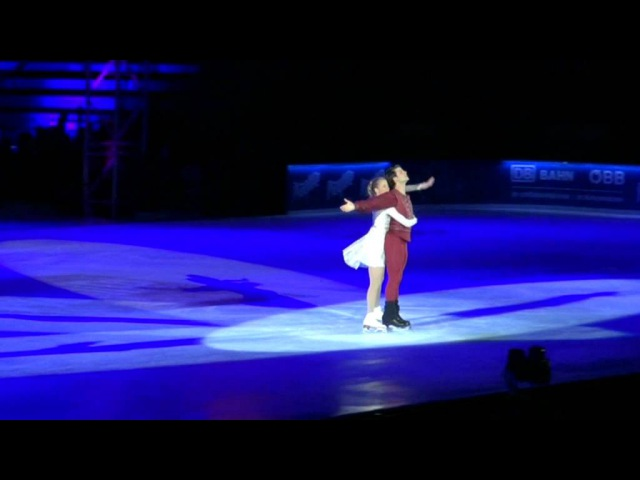 Stéphane Lambiel Carolina Kostner Romeo and Juliet Opera on Ice 2012