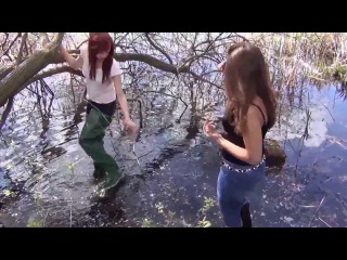 Sonya & Sheila: leather ladies and waders vixens
